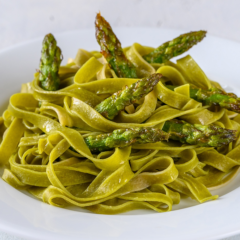 Zeleni rezanci sa šparogama i gorgonzolom