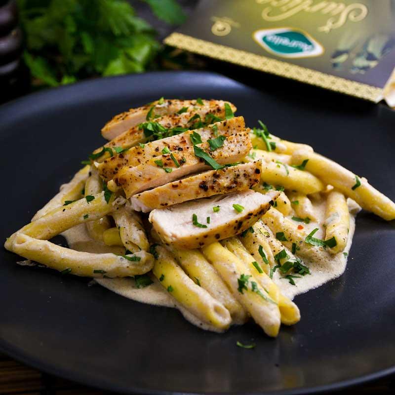 Šurlice 'Alfredo' s piletinom – talijanski klasik obogaćen svježom hrvatskom tjesteninom